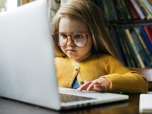 Training 'Voorlezen, kijken en spelen in de bibliotheek van nu' voor back office medewerkers