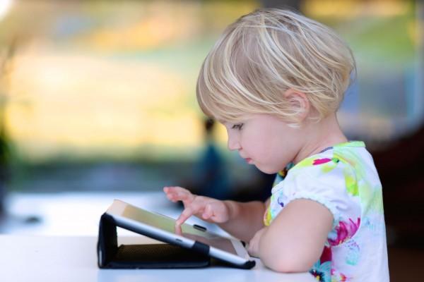 Training Mediaopvoeding 0-6 jaar voor backofficemedewerkers (digitaal) - Voorlezen, kijken en spelen in de bibliotheek van nu