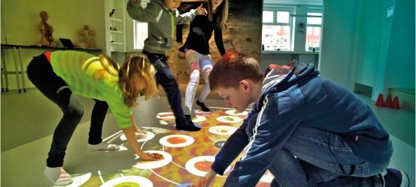 Interactieve vloer geeft reuring in de bibliotheek