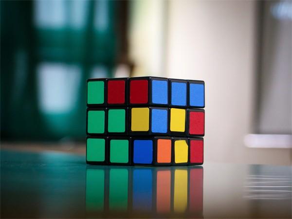 AEM-Cube